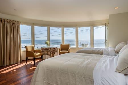 Peaceful Oceanside Retreat 2