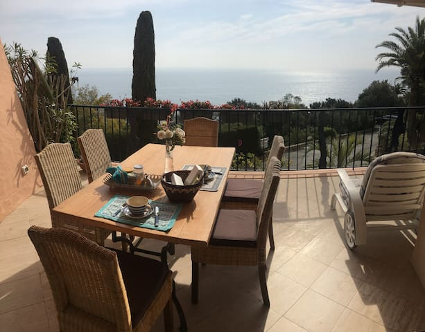 Nice and cosy flat in South of France - Théoule-sur-Mer - Huoneisto