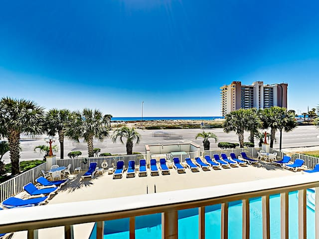 Breezy Gulf-View Condo Across from Beach w/ Pool