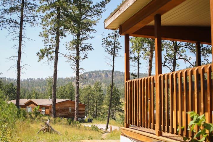 Mile High Retreat Cabins - Ponderosa Cabin