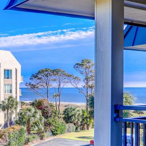 Ocean Views from this charming 1 BR/1BA/sleeps 6