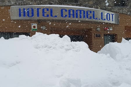HOTEL à deux pas des pistes de ski - Pas de la Casa - Bed & Breakfast