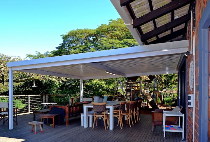 Relax at Tipuana!  An Oasis in the suburbs.