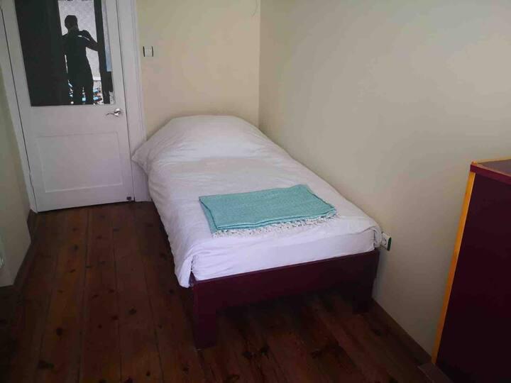 Single Room with Terrace in Alsancak