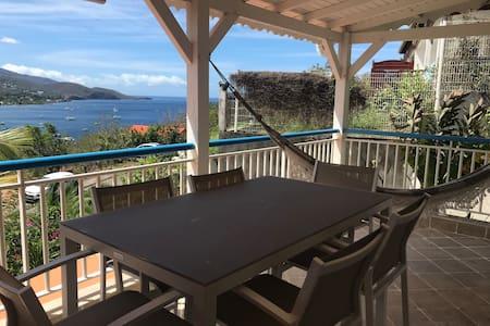 Magnifique maison vue sur la mer des Caraïbes