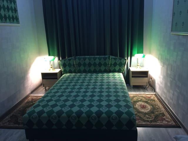 Клубный Дом Венеция, Зеленая и Фиолетовая Фантазии