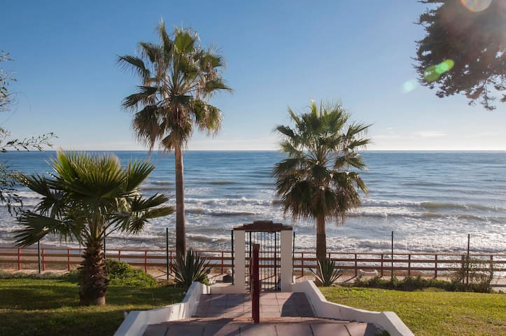 Gem by the beach Calahonda |WiFi | Sea Views