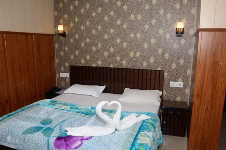 Krazy Hotel With Deluxe Room