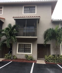 Nice house in a quiet and safe area of miami - Miami - Rumah
