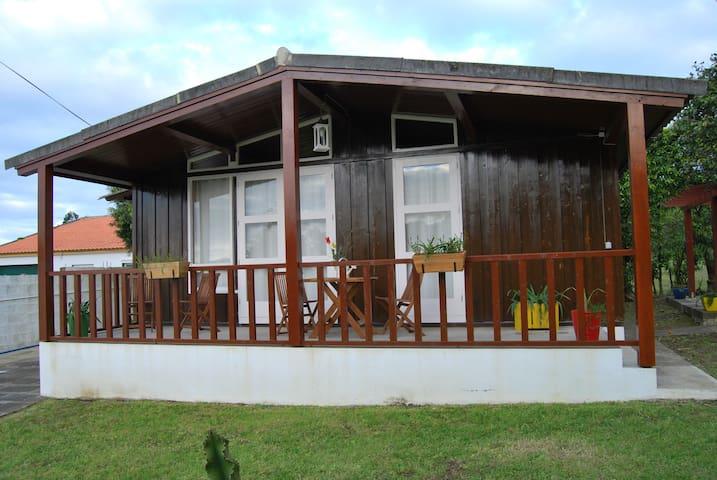 Casa dos Incensos - S. Vicente Ferreira - Hus