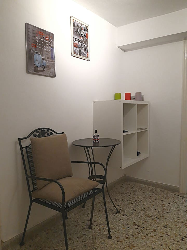 Cozy Apartment (25m From Athens Metro Mall)