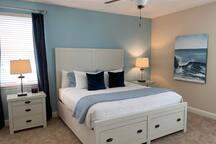 PRIME 9 BEDROOM LUXURY HOME W/ CINEMA & MINI GOLF.