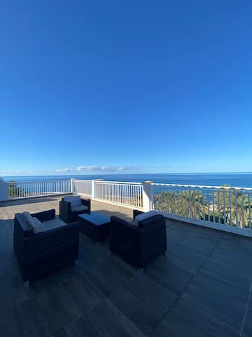 1 bedroom penthouse with outstanding views.