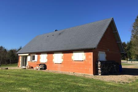 Maison 90m² au milieu de la verdure - Clergoux