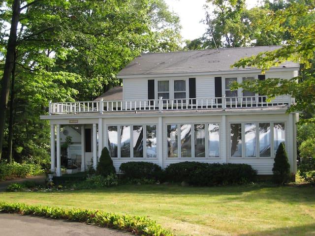 110' of Lake Michigan Shoreline-Front House