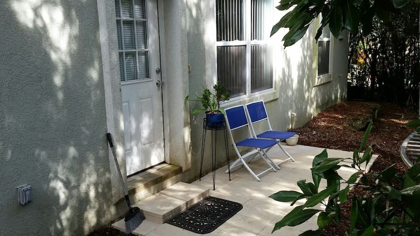 Cozy 1BR Apt with Japanese tub - Saint Augustine - Leilighet