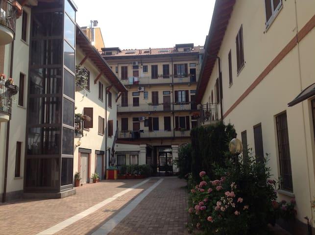 Bilocale Milano v.ze Linate Airp.