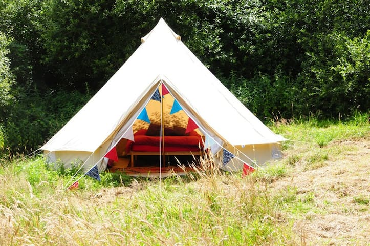 Furnished Bell Tent, Lovely Farm - Exeter - Telt