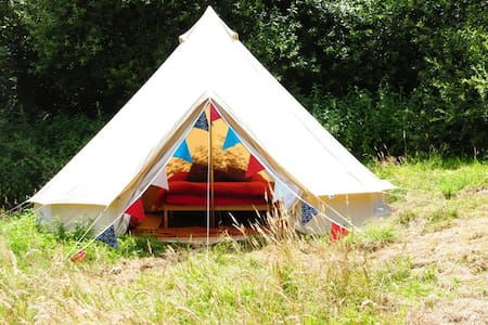 Furnished Bell Tent, Lovely Farm - Эксетер - Палатка
