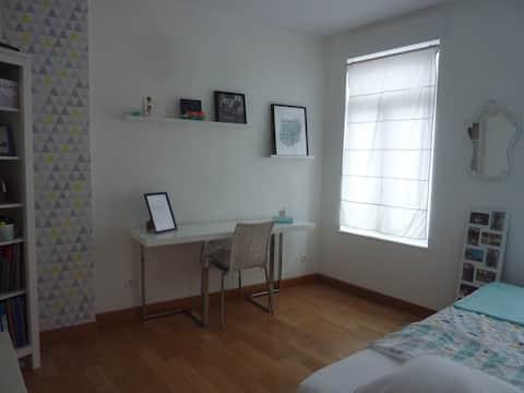 Jolie chambre & maison spacieuse prox Valenciennes