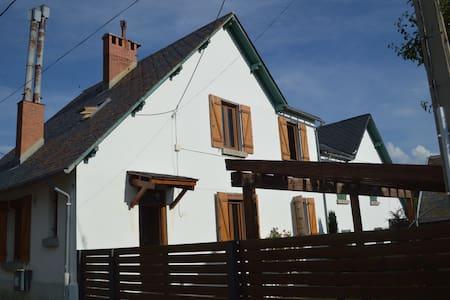 Casa con jardín en la Cerdanya - Casa