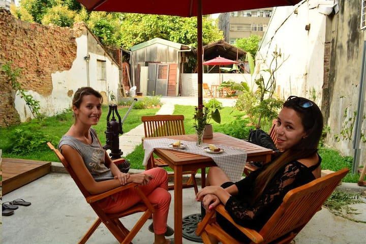 Tainan Good Garden Lady's Hostel (4bed) backpacker