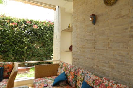 Flat with swimming pool and garden. - Casablanca