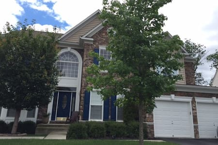 Single Family Shared Accommodation - Ashburn