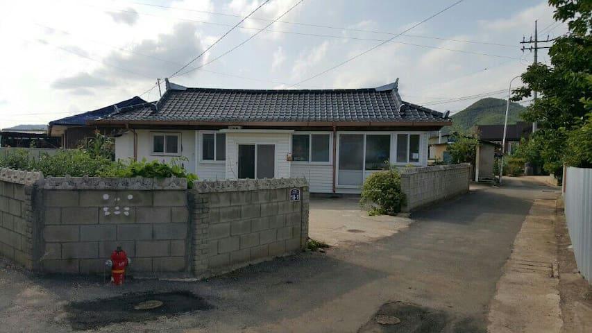 경북 영양 아담한 시골집