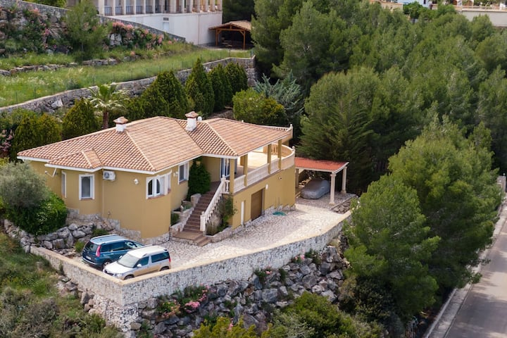 Scenic Villa in Pedreguer with Private Pool
