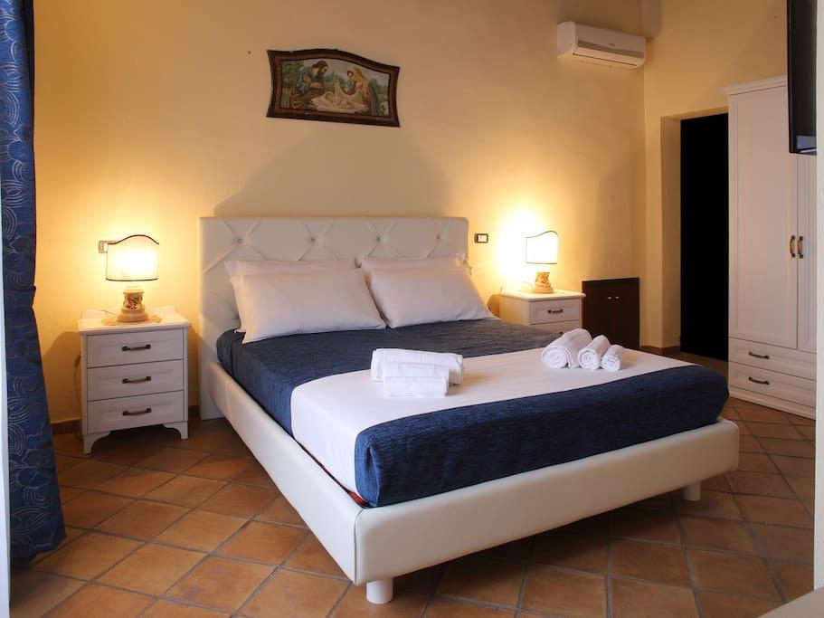 Camera matrimoniale + cameretta con letto a castello