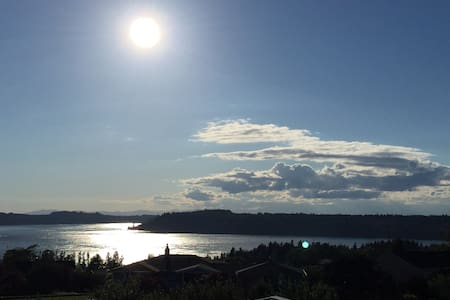 Incredible Puget Sound & Sunset Views - Tacoma - Apartemen