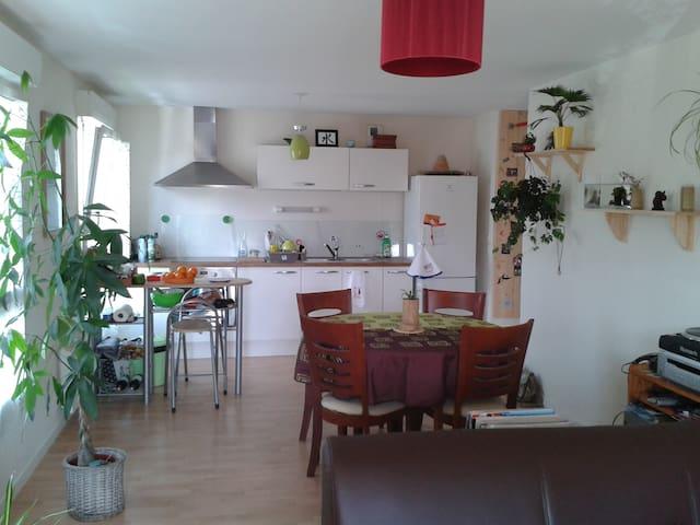 Appartement, 2 chambres, calme - Plescop