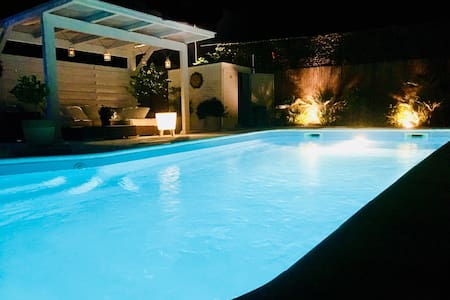 Apartment in Villa, amazing Pool & view,  6 guests