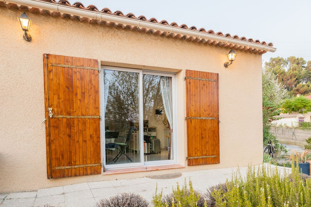 Bnb an available in aix en provence houses for rent in for Cote commerce aix en provence