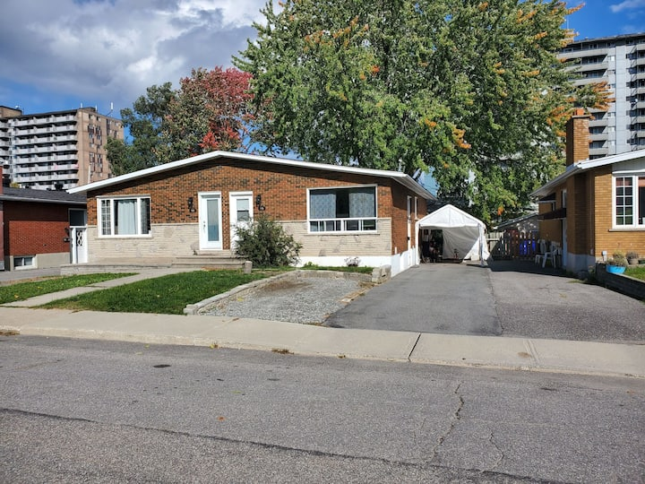 Renovated 1 bdrm + sofa bed near downtown & casino