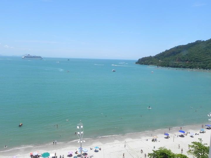 Frente mar em Balneário Camboriú com ótima vista!!