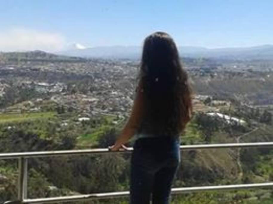 Vista panorámica de Ambato desde la casa.