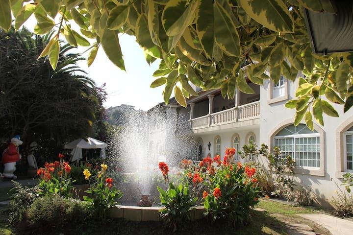 Hotel centro de Vigo 5000 m2 jardin - Vigo - Bed & Breakfast