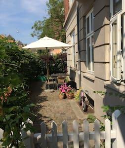 Lejlighed m. have på Frederiksberg