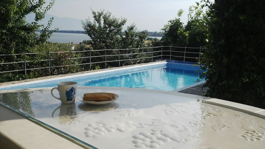 Cottage with view to Lake Kerkini - Serres