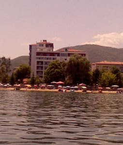 Right by the beach - Pogradec - Daire