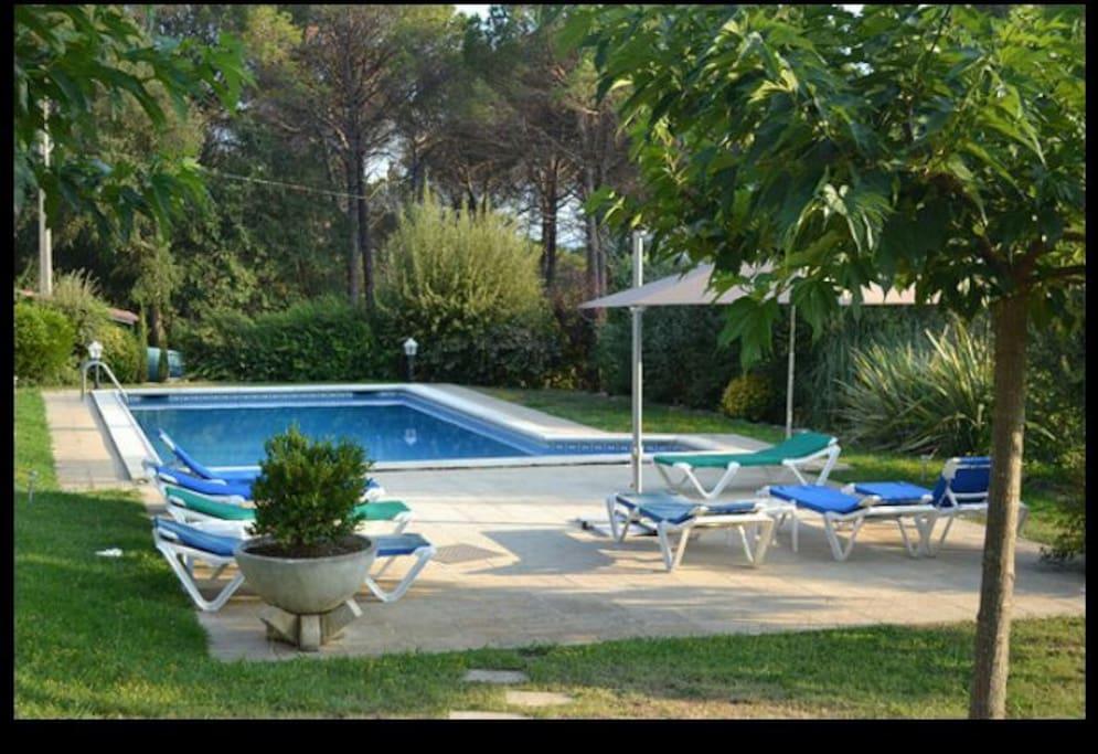 Villa avec piscine privatis e villas louer caldes de for Villa en espagne a louer avec piscine