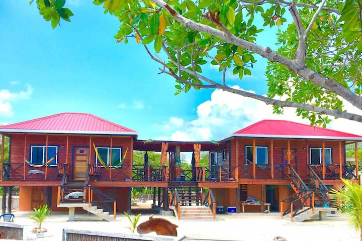 PRIVATE ISLAND ADVENTURE - 2 King Beds - sleeps 8