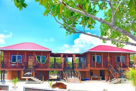 Cindiri Beach PRIVATE ISLAND 🏝 🐡🐟🐠🎣 2 KING BEDS