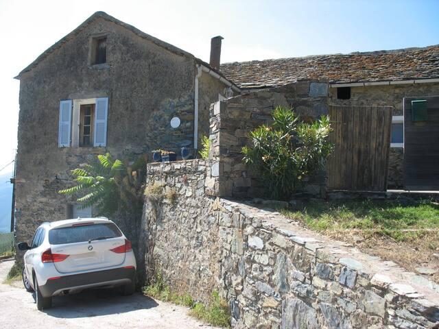 Maison en pierre - Bisinchi