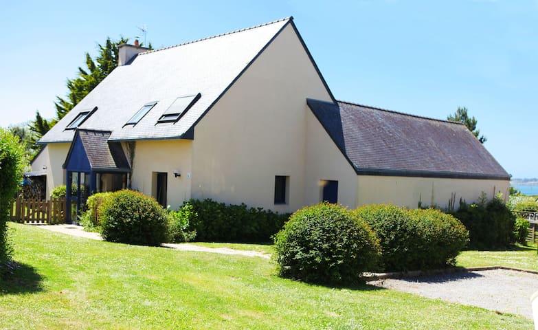Villa Mandhura