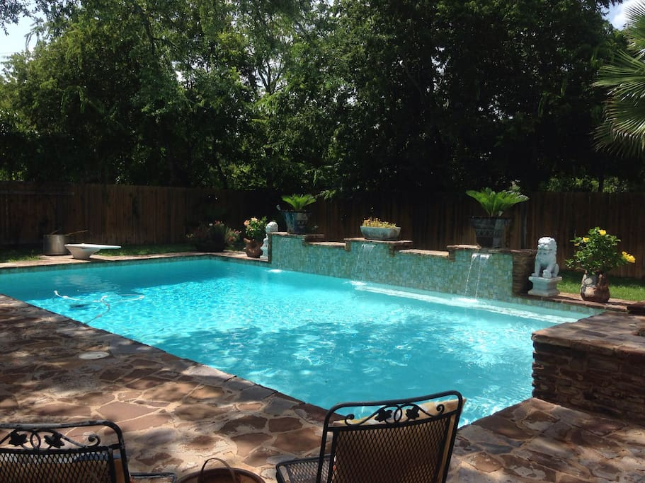 Share the use of beautiful backyard and pool.