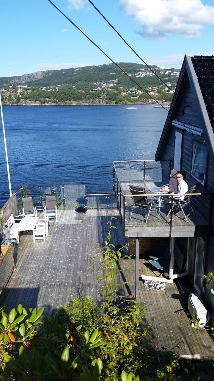 Family home by the fjord in Bergen.