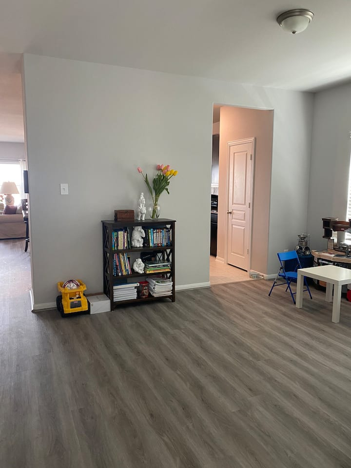 Airport Access with Great Amenities